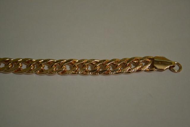 золотые кулоны плейбой