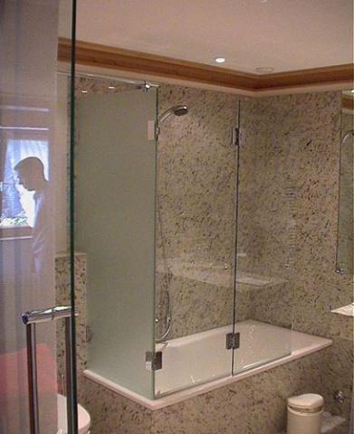 Перегородки в ванне из стекла своими руками