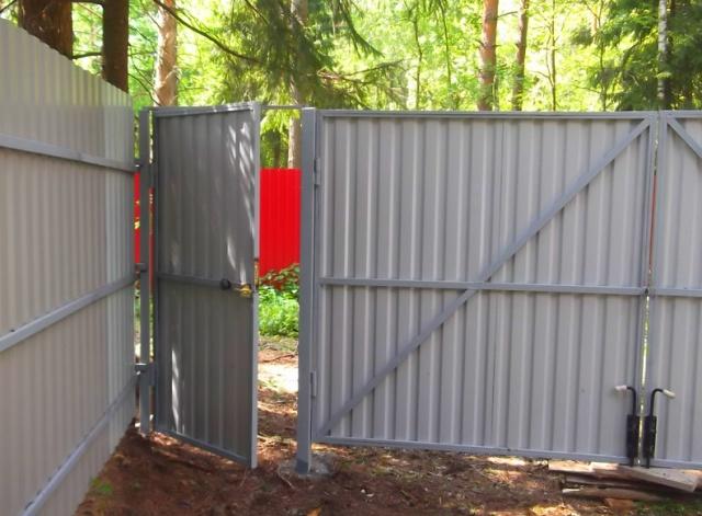 Ворота из профлиста без сварки