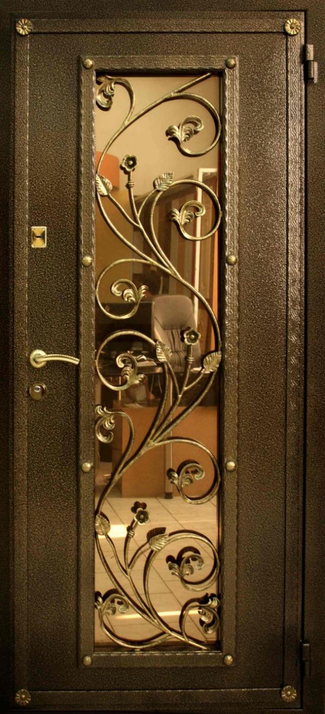 Дизайн металлических дверей со стеклом