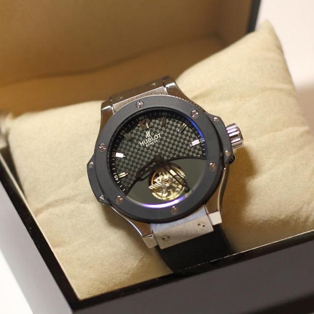 Самые необычные недорогие наручные часы